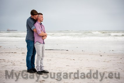 Gay Reise mit Sugardaddy
